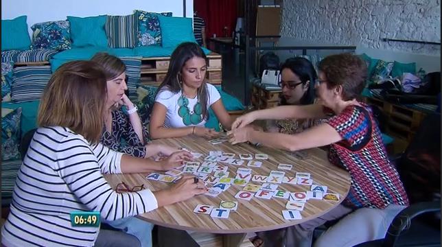 Imagem das duas equipes: t-access e Sons e Gestos na reportagem da TV Globo